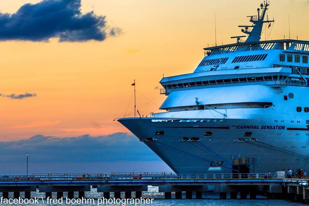 photo courtesy of fred boehm photography - Cruise Ship Photographer