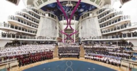 World's Largest Cruise Ship Calls into Cozumel