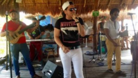 Live Music in Cozumel:  An Interview with Israel from Aquíno y su Banda Aguanile