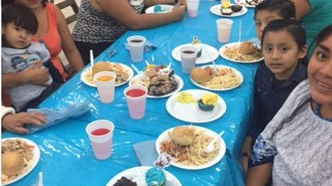 Communitas Cozumel English Language Church Hosts Dinner